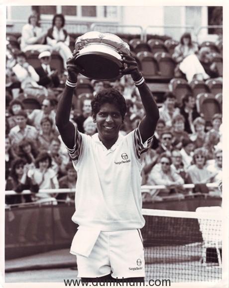 Cinestaan Film Company Signs Tennis Star Vijay Amritraj Biopic
