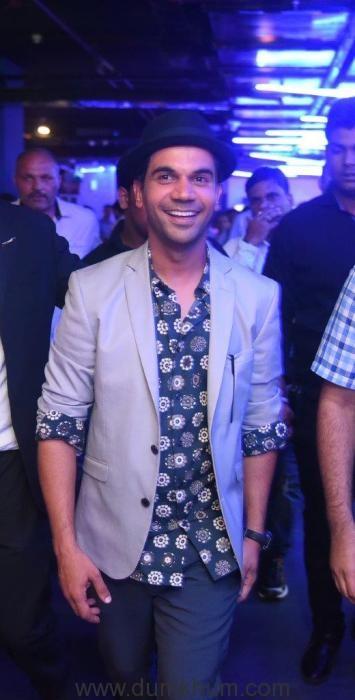 Actor Rajkumar Rao at SMAAASH Cyberhub Gurgaon (2)