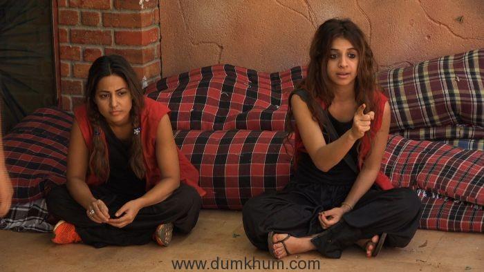 Hina and Benafsha performing the luxury budget task