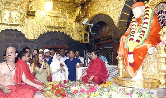 Kapil Sharma visited Shirdi Sai Baba Temple along with Ginni and Director Rajiev Dhingra