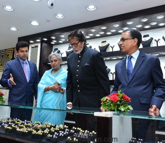 Mr. Amitabh Bachchan, Mrs. Jaya Bachchan, Mr. T.S. Kalyanaraman, CMD, & Mr. Ramesh Kalyanaraman, ED at launch of Kalyan Jewellers' 115th showroom in Bhopal