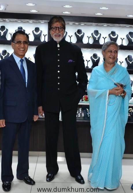 Mr. Amitabh Bachchan, Mrs. Jaya Bachchan, Mr. T.S. Kalyanaraman, CMD at launch of Kalyan Jewellers' 115th showroom in Bhopal