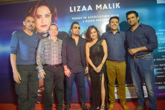 2. Champak Jain, Mika Singh, Lizaa Malik, Vipul D Shah, and R.Madhvan during music release of album BABY TERA FRAUD ROMANCE