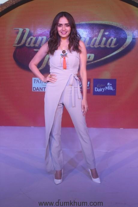 Amruta Khanvilkar at the Dance India Dance season 6 press conference