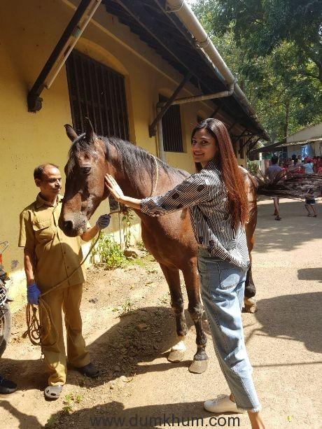 Athiya Shetty to celebrate birthday with her girl gang!-