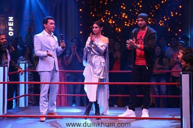 L-R - Aditya Narayan, Mouni Roy, Harbhajan_