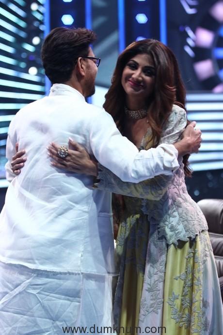 Shilpa Shetty and Irrfan Khan hug and greet each other