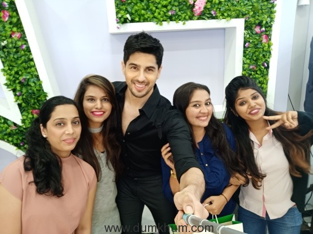 OPPO F5 kicks off First Sale across India with Siddharth Malhotra