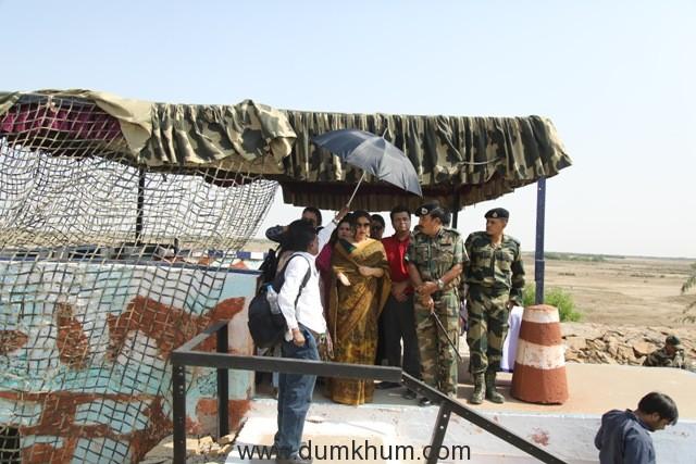 Vidya Balan Indo-Pak border images (1)