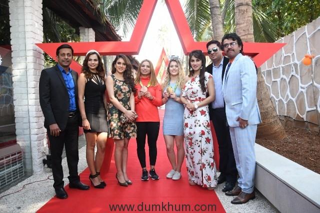 8. Kapil Pathare, Ahana Singh, Shweta Khanduri, Marwa Amri, Helen Maroulis, Smita Gondkar, Cliffton Gracious, Sunil Kalra DSC_8666