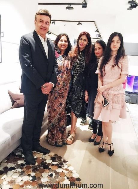 Anu Malik & Daughters with Nisha & Abha Singh