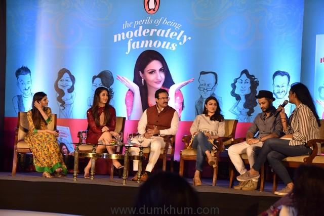 L-R Saba Ali Khan, Kareena Kapoor Khan, Saif Ali Khan, Soha Ali Khan and Kunal Kemmu in conversation with Kaneez Surkha at the launch of Soha's debut book The Perils of Being Moderately Famous