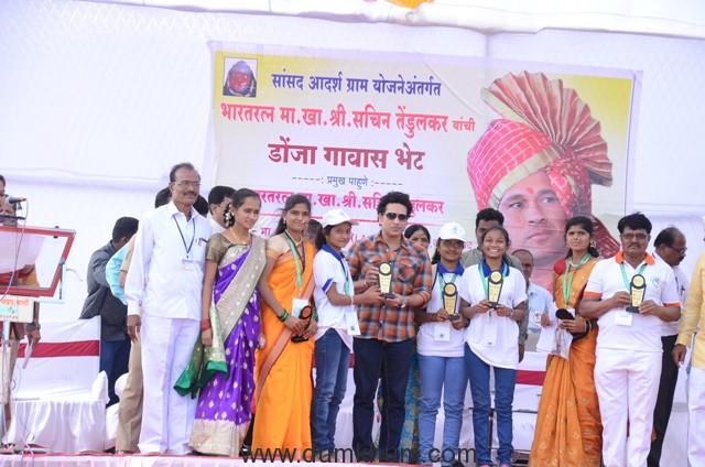 Photo 11 - Shri Sachin Tendulkar felicitates young achievers at an event at adopted village Donja