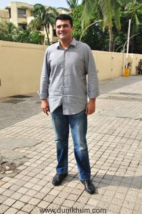 Siddharth Roy Kapoor ....1