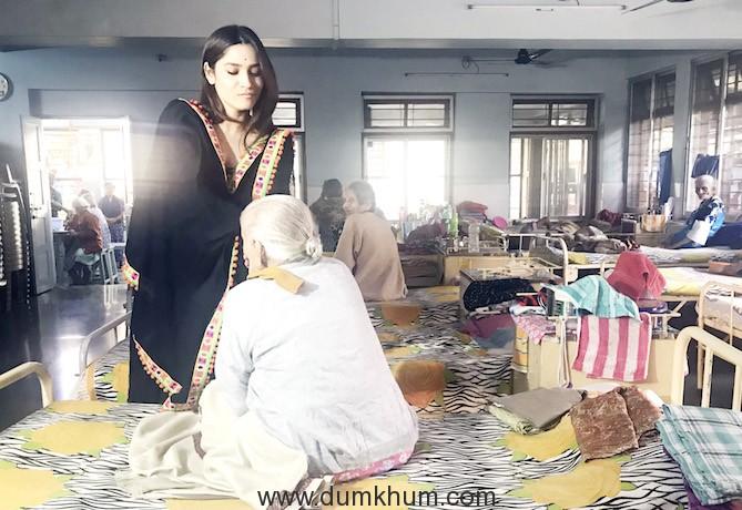 Ankita Lokhande at Old Age home Mumbai (1)