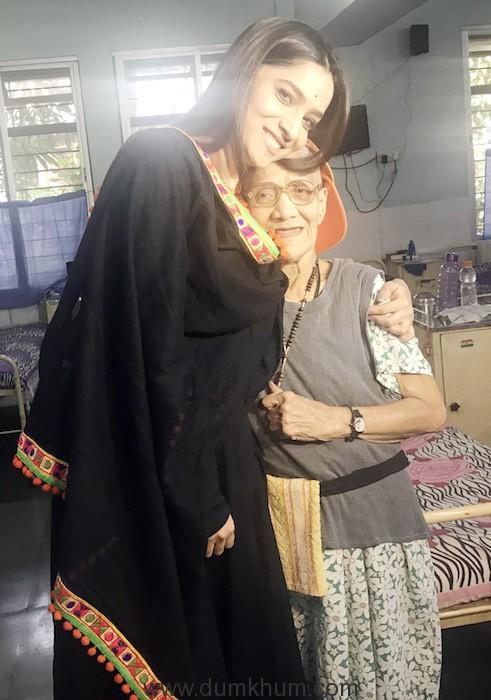 Ankita Lokhande at Old Age home Mumbai (2)