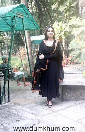 Ankita Lokhande at Old Age home Mumbai (3)