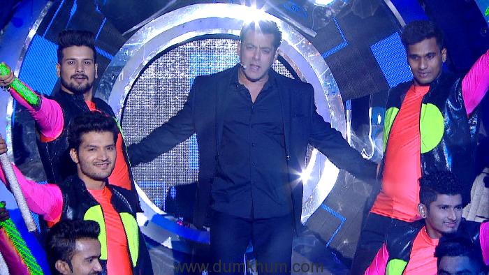 It's celebration galore with Salman Khan on Bigg Boss 11 – Weekend Ka Vaar!