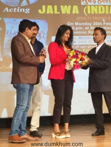 Make Up Artist Mr Subhash Singh dedicates his Best Make Up Artist Award to Late Sridevi JI.