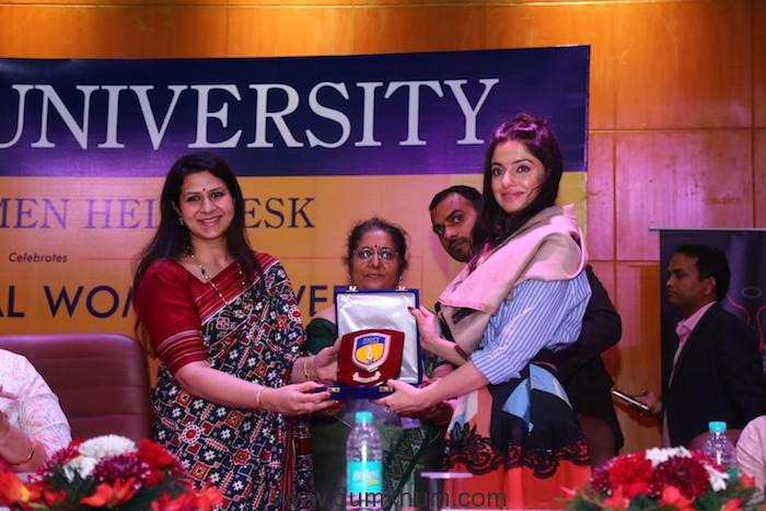 Divya Khosla Kumar rallies audience on female hygiene at She Wings' International Women's Week conference -2