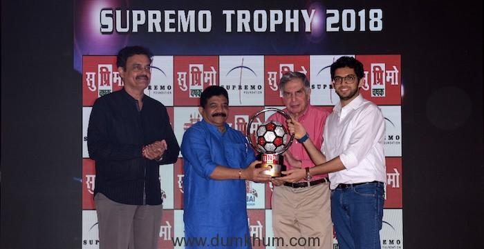 2. Dilip Vengsarkar, Sanjay Potnis, Ratan Tata, Aditya thackrey unveiling Supremo Chashak 2018 KPP_9228