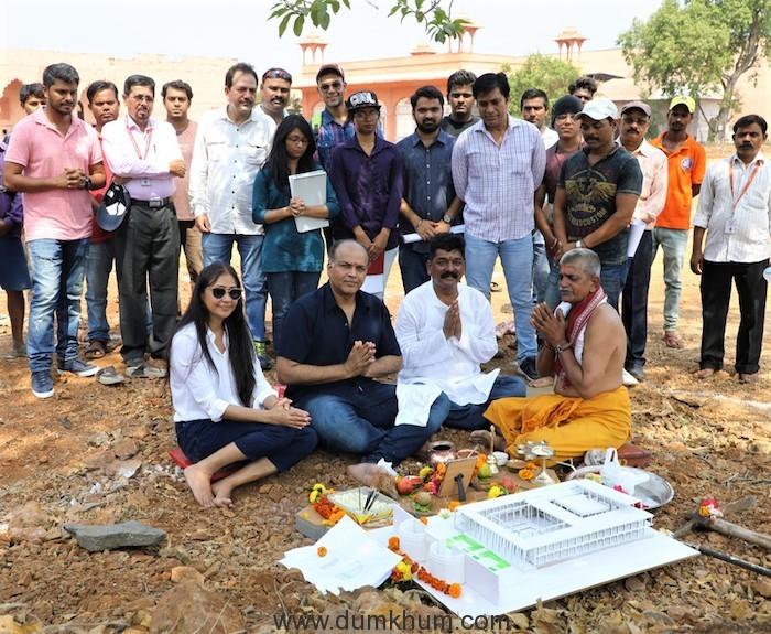 Ashutosh Gowariker & Nitin Desai recreate The Majestic Shaniwar Wada for Panipat