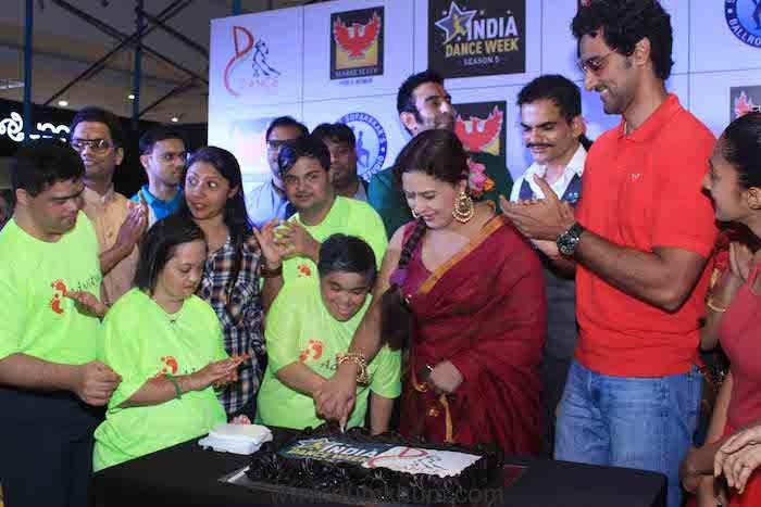 Cake cutting at IDW5