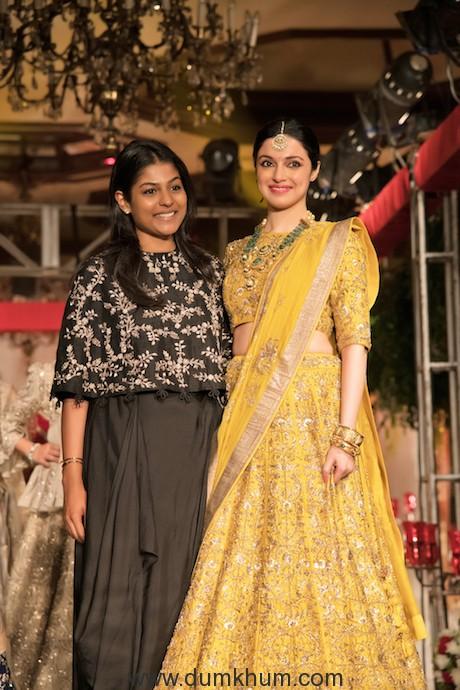 Divya Khosla Kumar walked the ramp for designer Jayanti Reddy-1