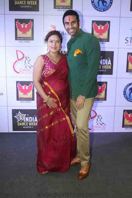 Sandip Soparrkar with Sharbani Mukherjee at IDW5