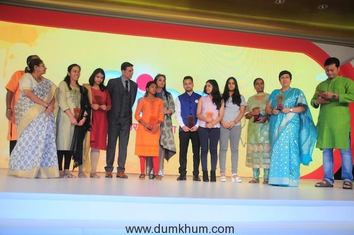 Akshay Kumar with PadHeroes