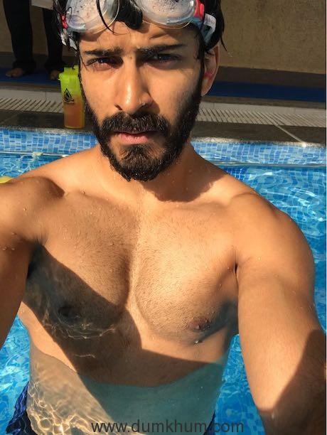 Harshvardhan Kapoor goes scuba diving for Bhavesh Joshi Superhero!