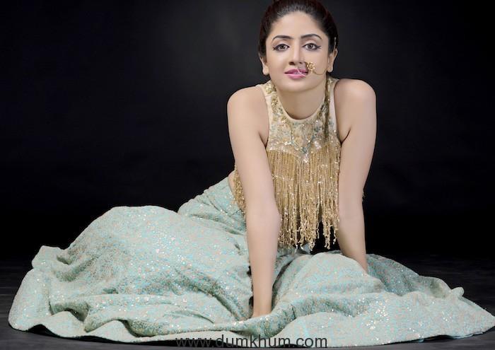 Poonam Kaur to make her Bollywood debut opposite Karan Singh Grover in 3 Dev