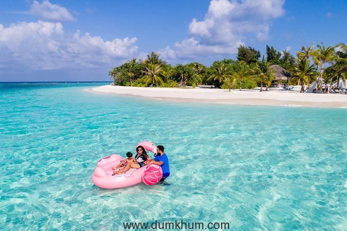 Shilpa Shetty flies off to the Maldives to unwind--