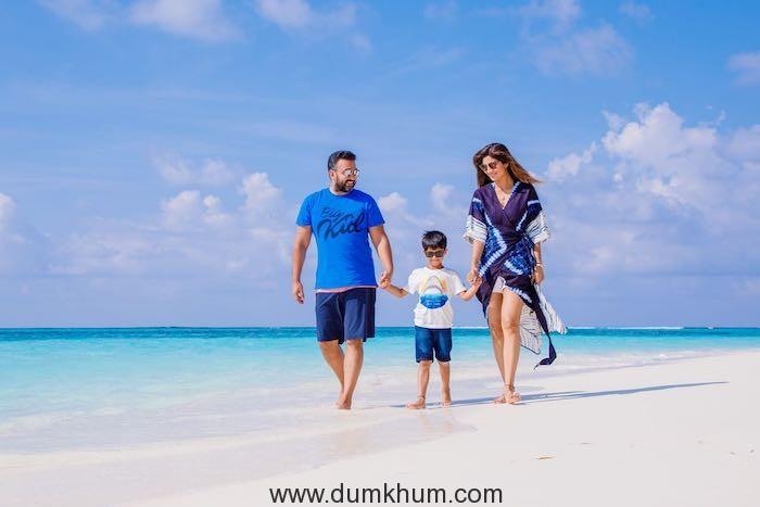 Shilpa Shetty flies off to the Maldives to unwind.