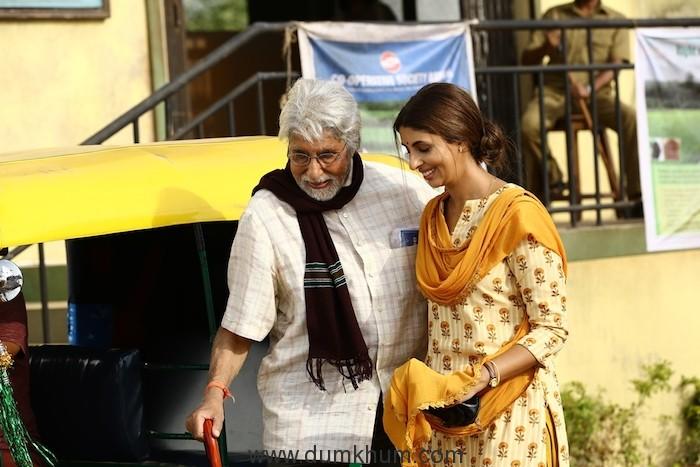 Shweta Bachchan Nanda makes acting debut with father Amitabh Bachchan in Kalyan Jewellers' heart-warming TVC-1