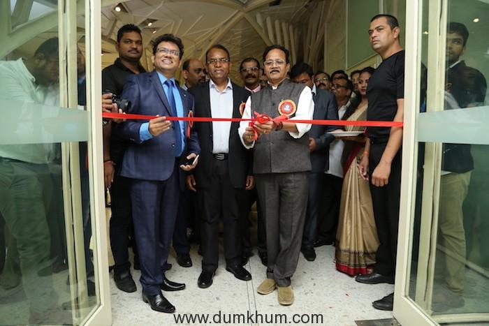 Managing Director of LIDCOM - Rajesh F Dhabre with Cabinet Minister Rajkumar Badole