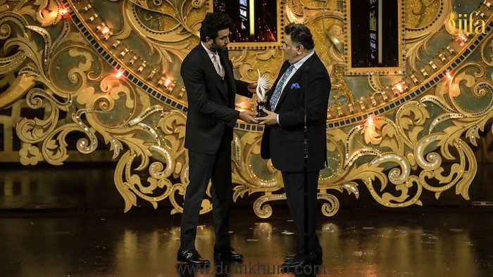 Ranbir Kapoor & Rishi Kapoor at IIFA Awards 2018