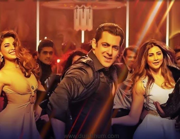 Salman Khan, Jacqueline Fernandez, Daisy Shah-Race 3