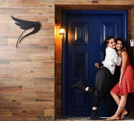 Taapsee moves into her swanky new pad!