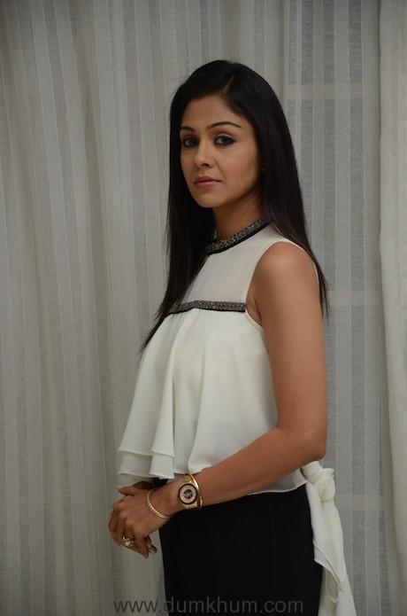 Manasi Salvi as Nisha in Zee TV's Woh Apna Sa