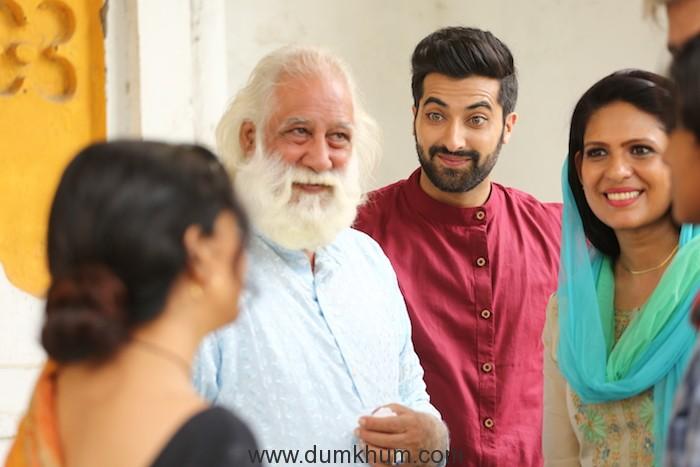 Movie still of Chhote Nawab Akshay Oberoi in red