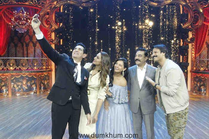 Selfie time for Omung Kumar, Huma Qureshi, Pooja, Kamal Hassan and Vivek Oberoi on India's Best Dramebaaz