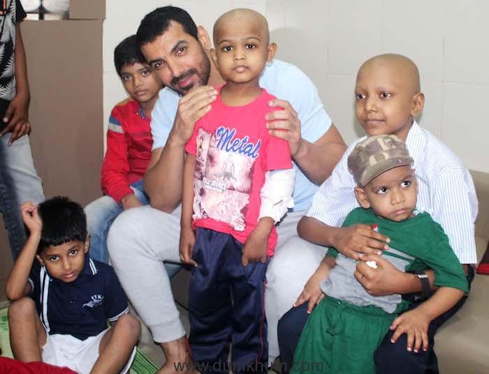 Actor John abraham with patient at Bai Jerbai Wadia Hospital