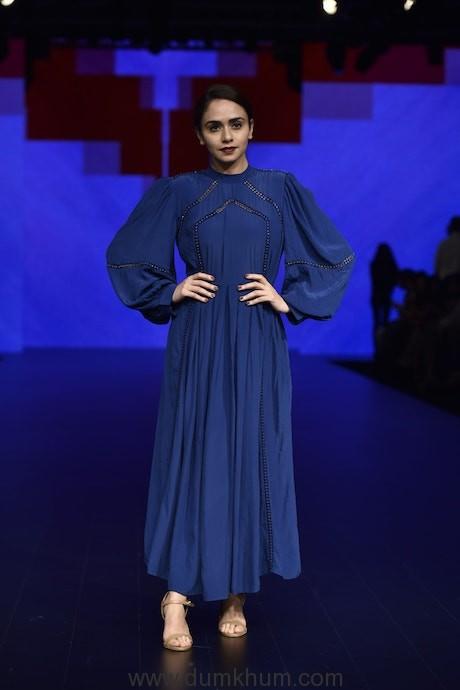 Amruta Khanvilkar-min
