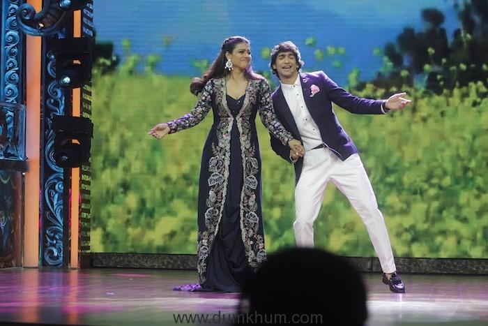 Kajol shaking a leg with Shantanu Maheshwari on India's Best Dramebaaz (2)