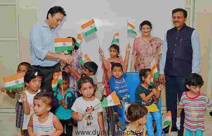 Kids celebrating independence day during cardiac screening camp at wadia Hospital(1)