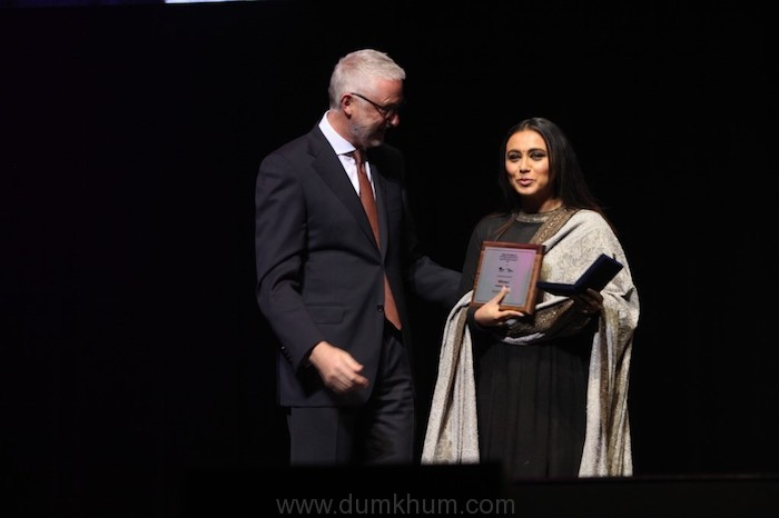 Rani Mukerji Wins the Best Actress Award for Hichki and  the 'Excellence in Cinema' Award at Indian Film Festival of Melbourne