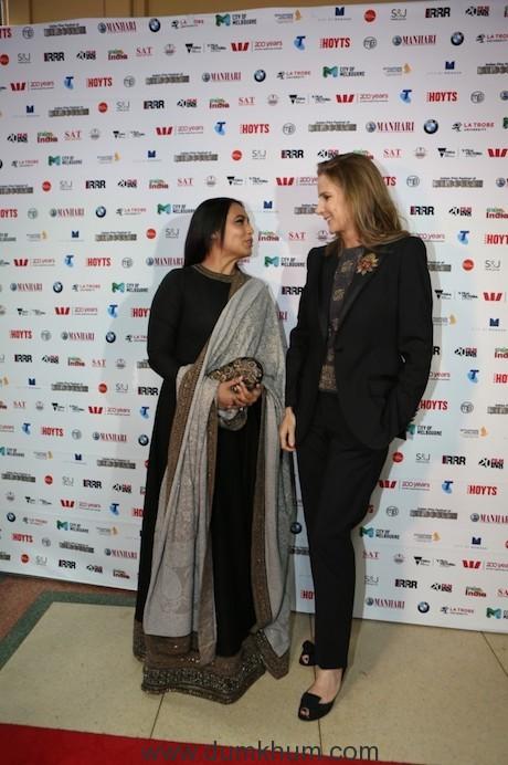 Rani Mukerji and Rachel Griffiths (1)