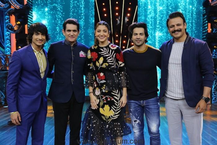 Anushka Sharma, Variun Dhavan, Vivek Oberoi, Shantanu Maheshwari and Omung Kumar 2