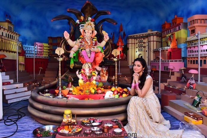 Bhushan Kumar and Divya Khosla Kumar Ganpati Sthaapna Puja-